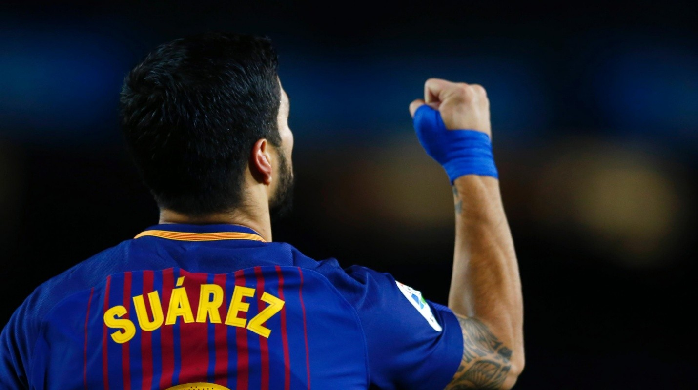 Luis Suarez - FC Barcelona�s Luis Suarez celebrates after scoring during the Spanish Copa del Rey, semifinal, first leg, soccer match between FC Barcelona and Valencia at the Camp Nou stadium in Barcelona, Spain, Thursday, Feb. 1, 2018. (AP Photo/Manu Fernandez)